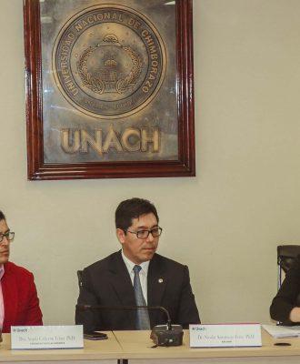 La Unach entregará becas a sus estudiantes