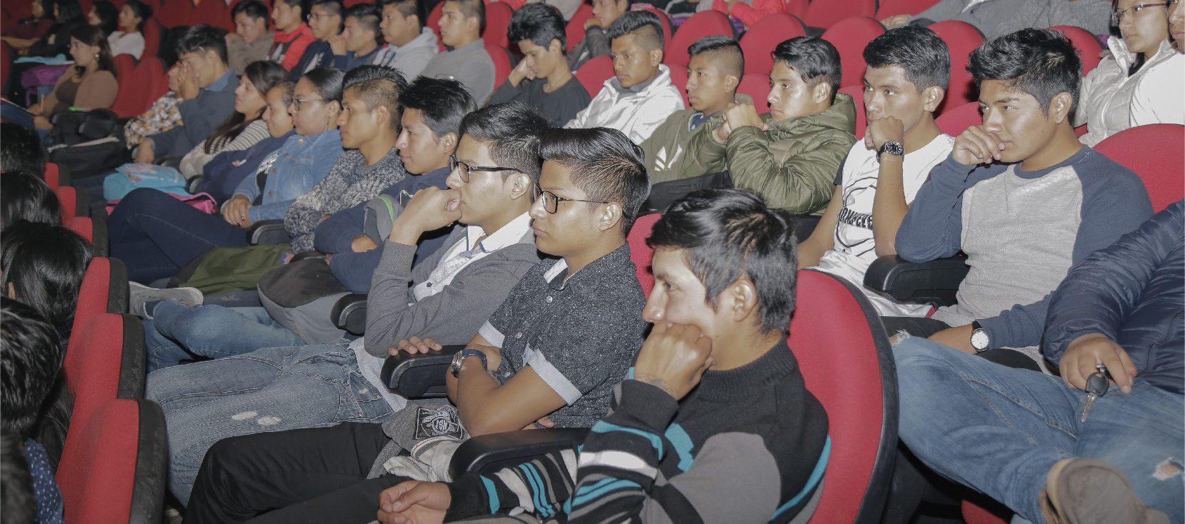 Unach organizó conferencias sobre avances tecnológicos