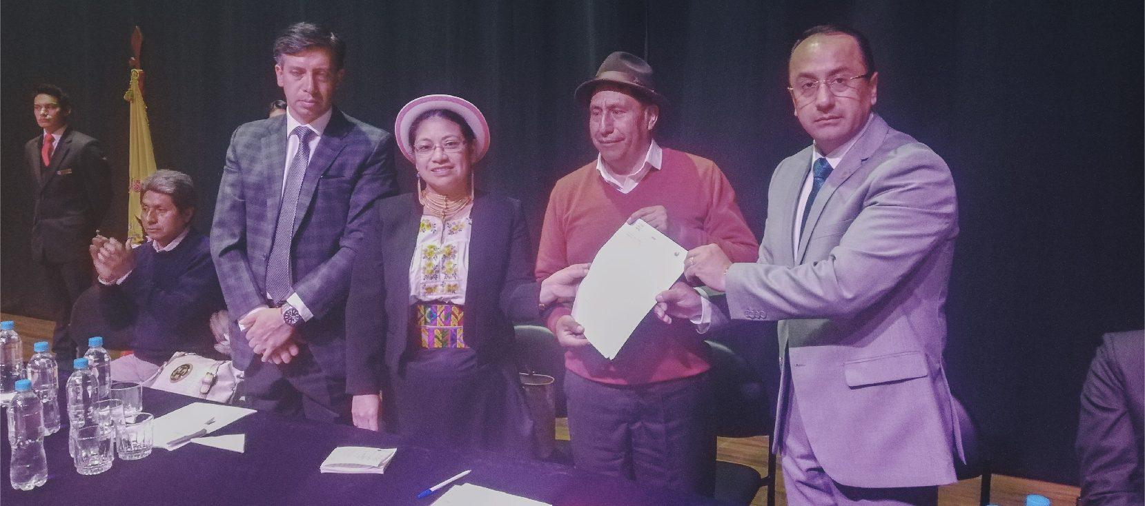 Unach firma convenio con la Secretaría del Agua