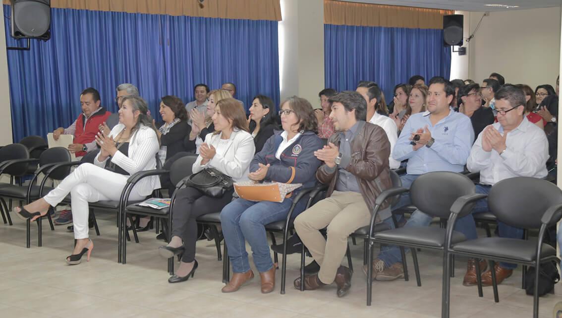 Docentes de Ciencias Políticas y Administrativas firman sus contratos 2018 - 2019